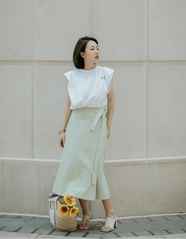 """Nàng blogger cuối cùng đã tìm ra bí kíp mặc đẹp mà không tốn kém, tất cả là nhờ việc """"ốp bài"""" ăn diện theo combo màu sắc này - Ảnh 6."""