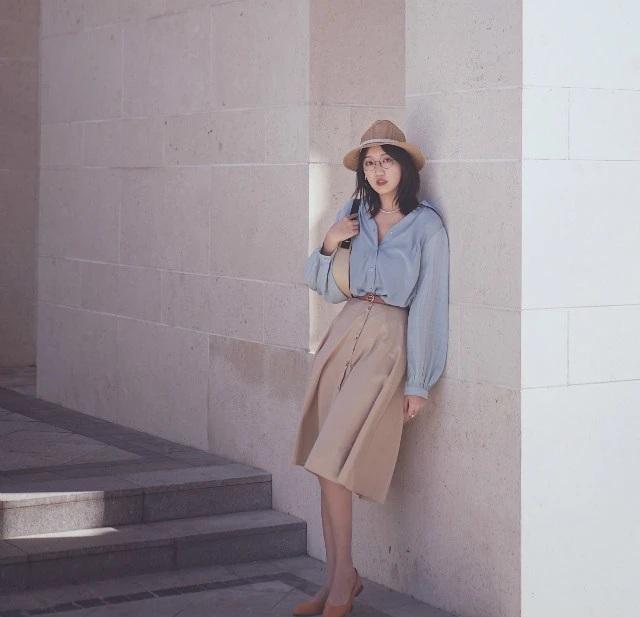"""Nàng blogger cuối cùng đã tìm ra bí kíp mặc đẹp mà không tốn kém, tất cả là nhờ việc """"ốp bài"""" ăn diện theo combo màu sắc này - Ảnh 5."""