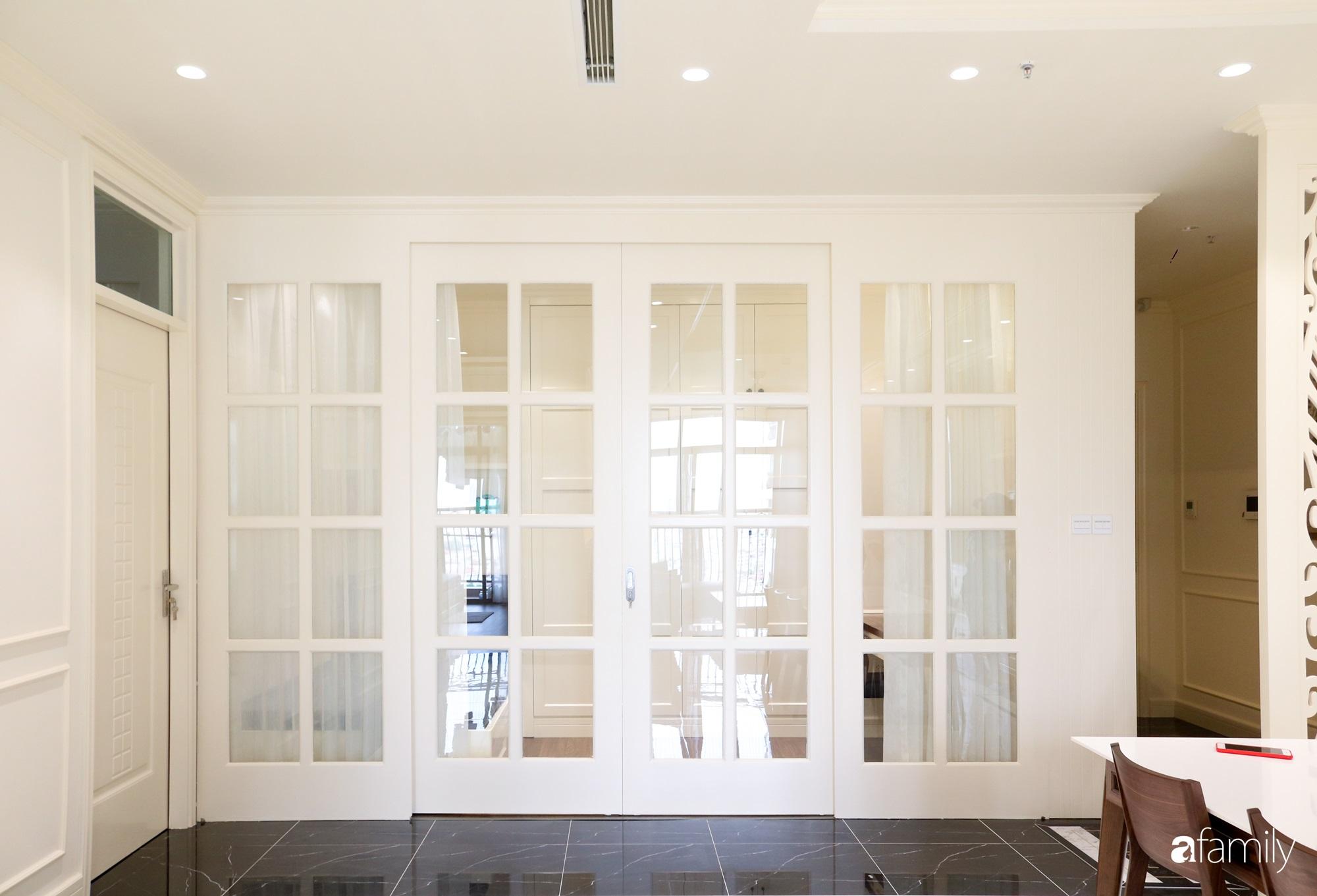Căn hộ 121m² đẹp sang chảnh với phong cách mang hơi hướng cổ điển ở Hà Nội - Ảnh 11.