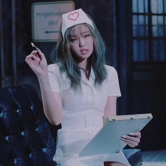 """YG lên tiếng trước cáo buộc tình dục hóa trong trang phục y tá của Jennie, phản ứng của """"chính chủ"""" gây bất ngờ - Ảnh 5."""