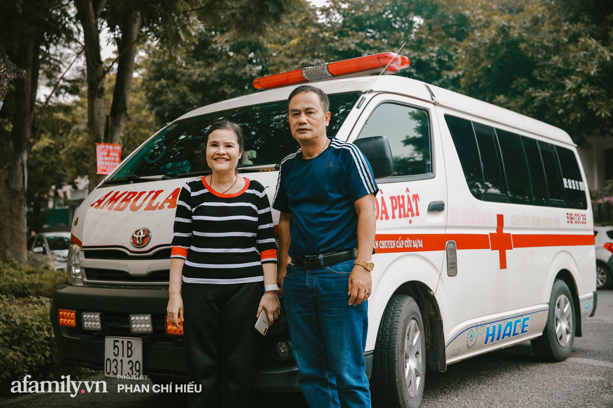 """Lạ! Trên đời có người phụ nữ bán đất mua xe cứu thương giúp người nghèo vượt qua """"bậc thềm"""" sinh tử, cùng chuyến đi định mệnh đưa xác bệnh nhi vượt 300km trở về với gia đình gần biên giới Việt - Lào - Ảnh 10."""
