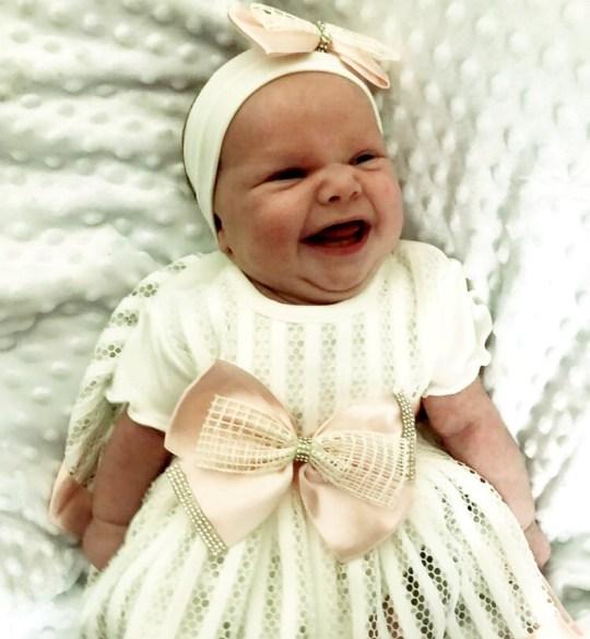Con vừa chào đời, bà mẹ đã bị sốc nặng đến nỗi phải hối chồng đến kiểm tra con ngay vì không tin lời bác sĩ nói - Ảnh 4.
