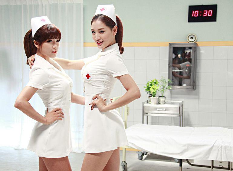 """Jennie bị chỉ trích vì """"tình dục hóa"""" y tá nhưng trước đó, cả loạt sao Kbiz từng diện kiểu đồ này mà còn táo bạo hơn nhiều - Ảnh 7."""