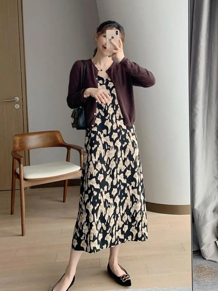 Nàng blogger lên đồ mặc đẹp cả tuần tới công sở mà không cần suy nghĩ nhờ cách mix với toàn item cơ bản - Ảnh 2.