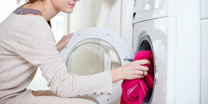5 kinh nghiệm hay cho người lần đầu dùng máy sấy quần áo - Ảnh 2.