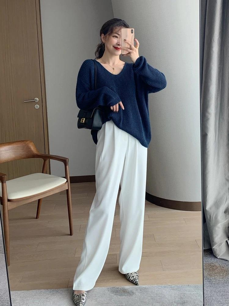 Nàng blogger lên đồ mặc đẹp cả tuần tới công sở mà không cần suy nghĩ nhờ cách mix với toàn item cơ bản - Ảnh 1.