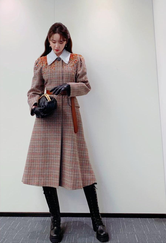 Vợ chồng Thái tử Louis Vuitton chiếm sóng trong show thời trang, sao Việt có vé mời nhưng phải ngậm ngùi xem show qua live stream  - Ảnh 8.