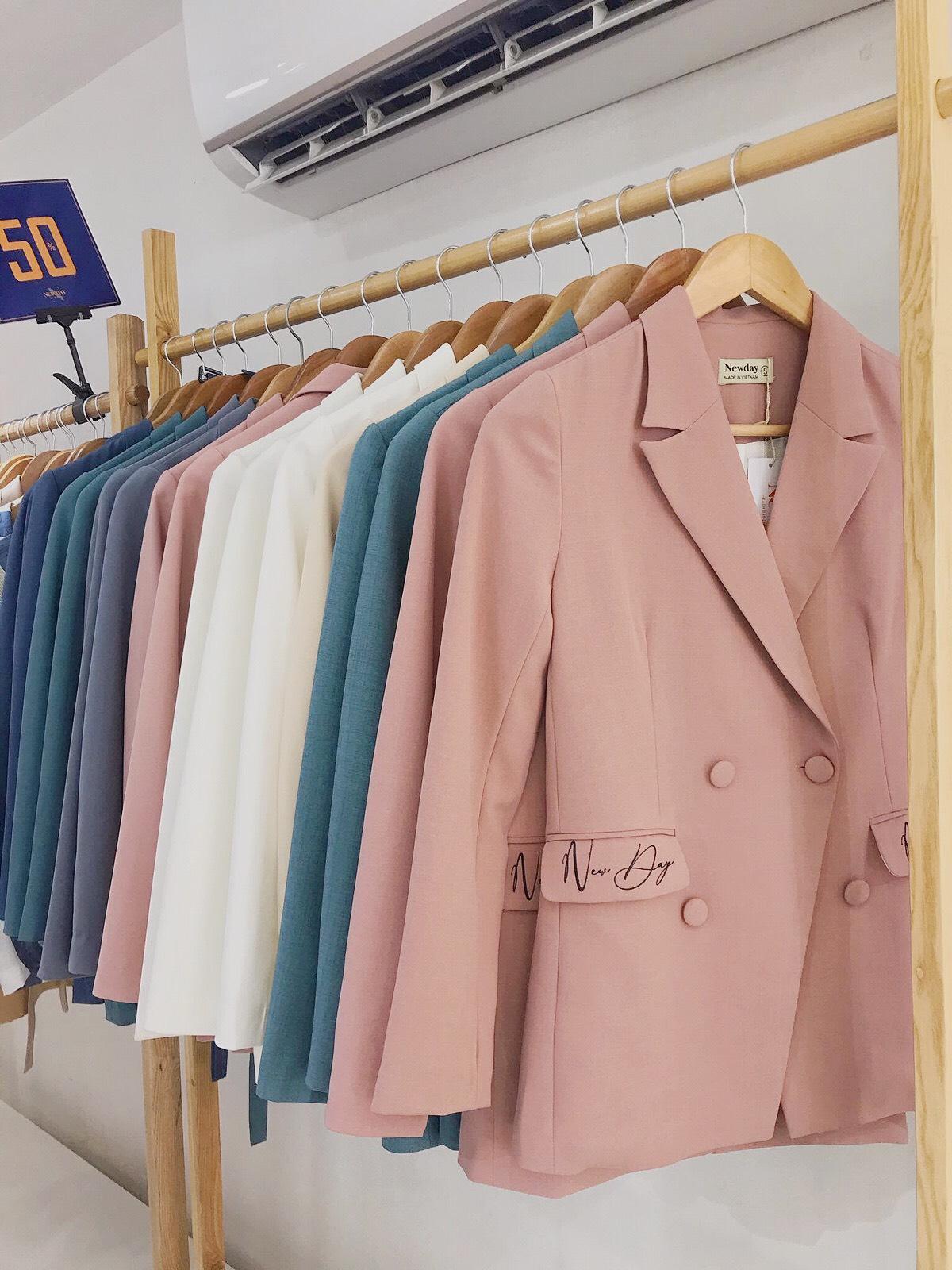 Từ kinh nghiệm của tín đồ shopping: Có những kiểu trang phục bạn tuyệt đối không được mua hàng online - Ảnh 2.