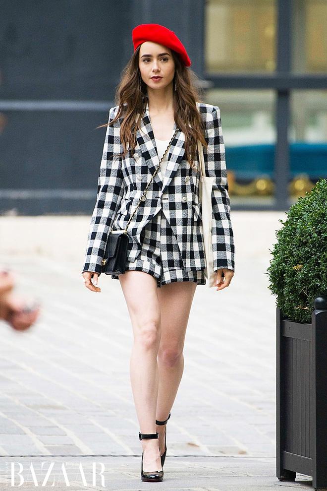 """Mix & Phối - Emily Ở Paris: Phong cách gái Mỹ trên đất Pháp nhận mưa lời khen, người khó tính thì kêu """"nửa nạc nửa mỡ"""" nhưng liệu có thoả đáng? - chanvaydep.net 5"""
