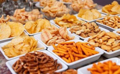 """7 thói quen ăn uống mà tế bào ung thư """"thích nhất"""": Toàn món quen thuộc trong mâm cơm, biết là độc nhưng ít người có thể từ bỏ - Ảnh 3."""