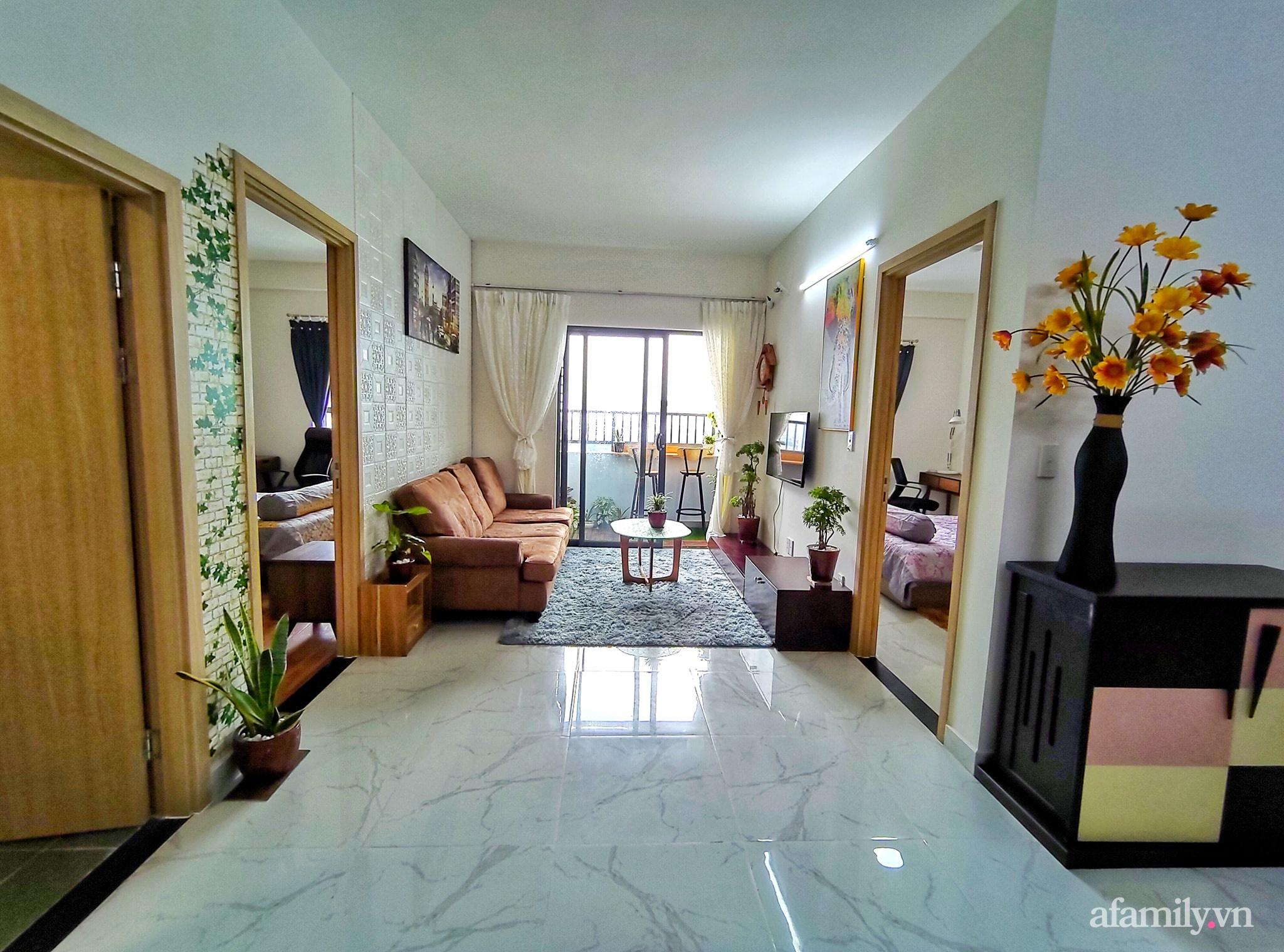 Căn hộ 70m² xanh tươi và ngập tràn ánh sáng với tổng chi phí đầu tư chỉ 46 triệu đồng của chàng trai độc thân ở Sài Gòn - Ảnh 2.