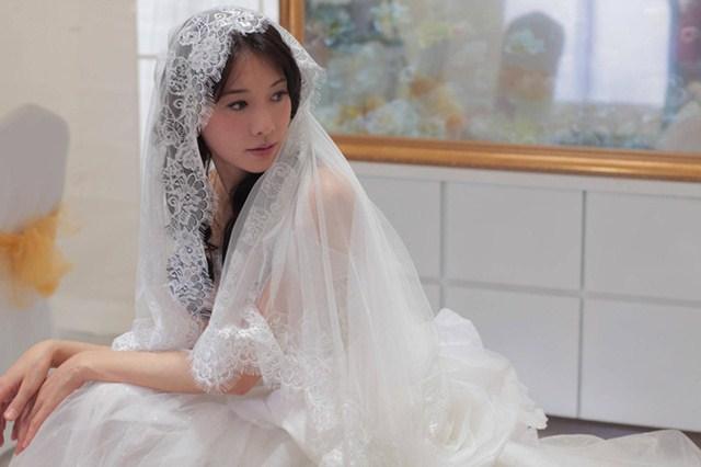 Đến khi trao nhau chiếc nhẫn cưới trăm triệu `` không cánh mà bay '', hung thủ thật sự không ngờ khiến người vợ trẻ phải lập tức đưa ra quyết định dứt khoát - Ảnh 1.