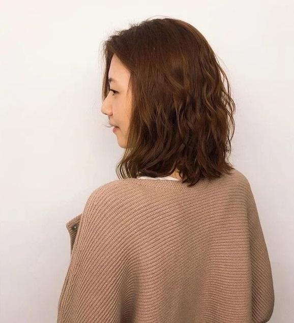 5 màu tóc nhuộm làm sáng da đỉnh cao, nàng công sở diện theo là đẹp và sang