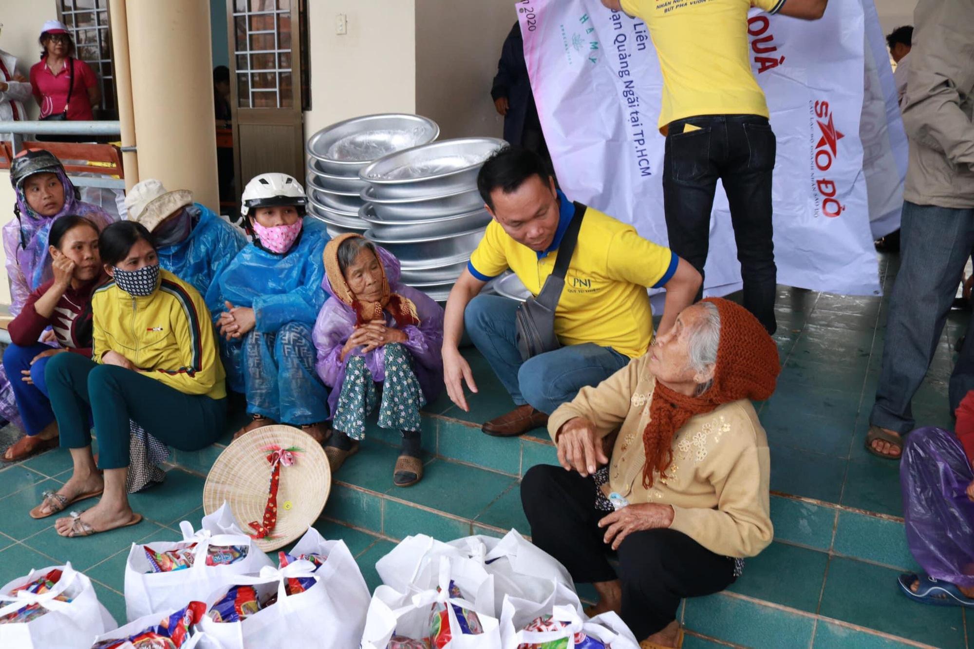 Trên 2,3 tỉ đồng hỗ trợ bà con Quảng Ngãi khắc phục thiệt hại bão lũ - Ảnh 7.
