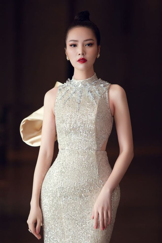Dàn hậu váy áo lộng lẫy, đọ nhan sắc trong họp báo Chung kết toàn quốc Hoa Hậu Việt Nam 2020 - Ảnh 5.