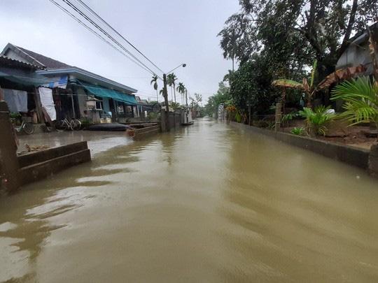 Bình Định, Thừa Thiên - Huế: Nhiều nơi ngập nặng trở lại - Ảnh 6.