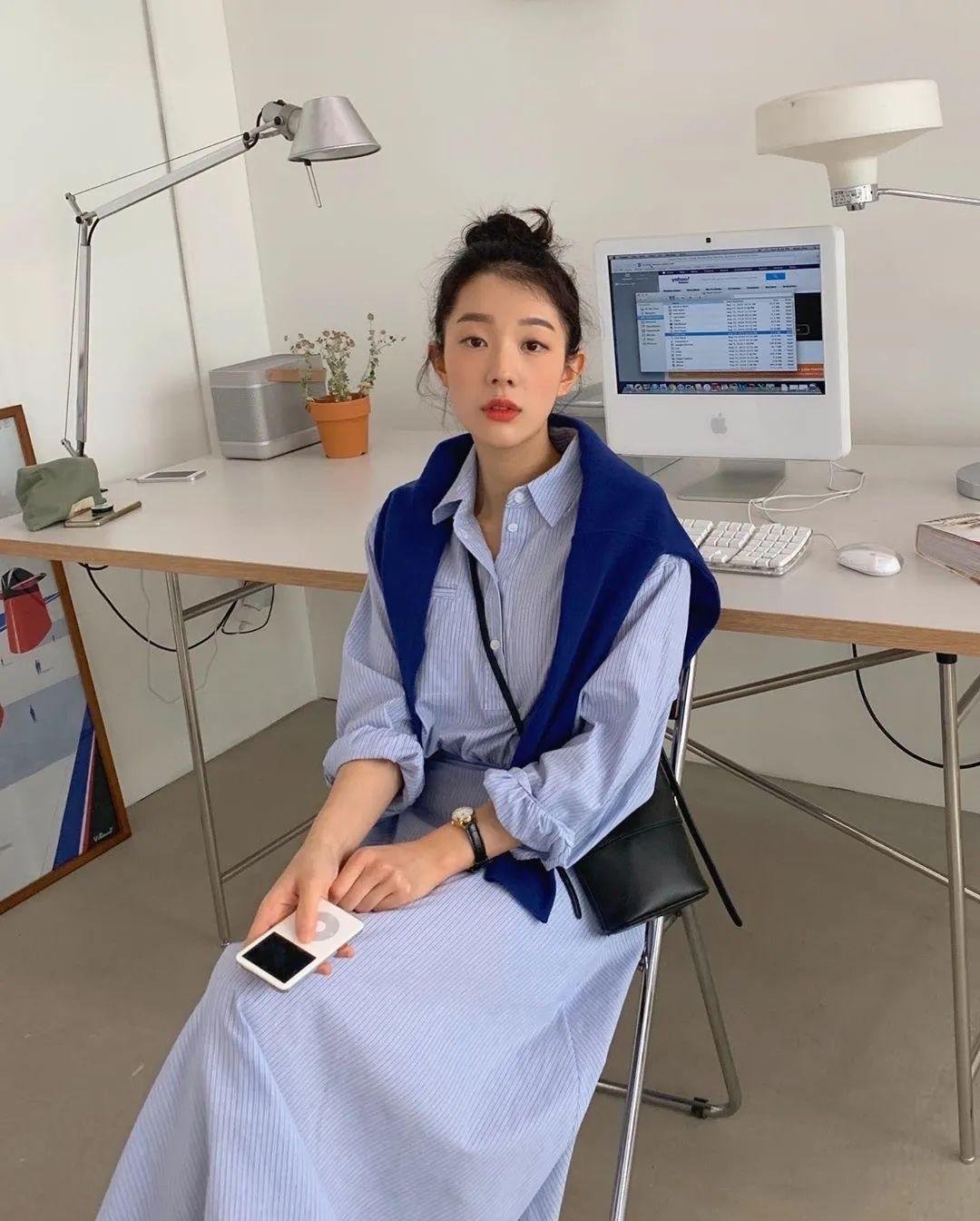 12 set đồ đáng chú ý từ hội gái Hàn mà nàng công sở có thể áp dụng đến ở làm - Ảnh 1.