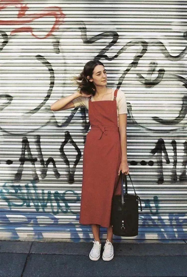 """4 kiểu váy mà phụ nữ Pháp yêu thích nhất, diện lên vừa """"thơ"""" lại vừa sang - Ảnh 12."""