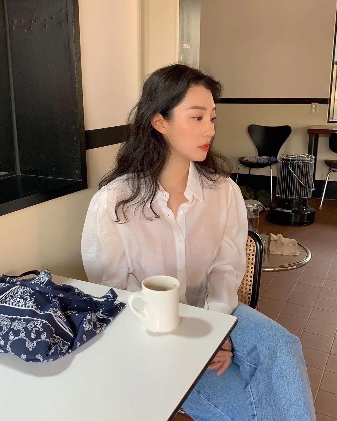 12 set đồ đáng chú ý từ hội gái Hàn mà nàng công sở có thể áp dụng đến ở làm - Ảnh 9.