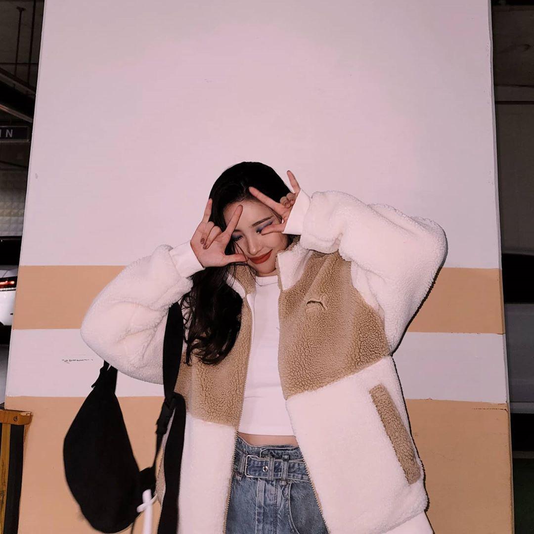 Sao Hàn đang lăng xê mẫu áo khoác lông cừu, mặc vào là tự tin chiến với mùa lạnh này luôn - Ảnh 6.