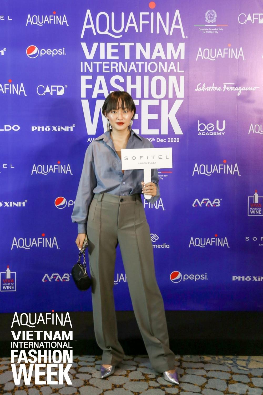 Họp báo Aquafina Tuần lễ thời trang Quốc tế Việt Nam: Phương Mai khoe vòng 1 thách thức, hé lộ mẫu thiết kế trong BST mở màn đến từ NTK Công Trí - Ảnh 5.