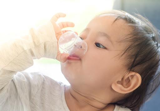 BS Phí Văn Công: Nếu bố mẹ không từ bỏ thói quen này, có thể ảnh hưởng đến hệ miễn dịch của con - Ảnh 3.