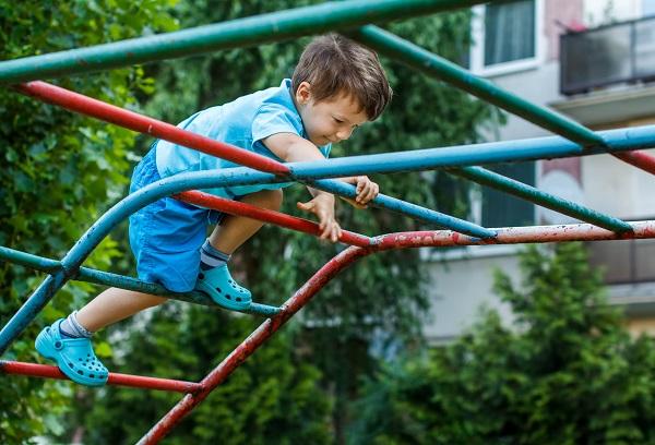 5 điều từ trước tới nay bố mẹ tưởng làm hại con nhưng thực ra lại tốt cho sự phát triển của trẻ - Ảnh 1.