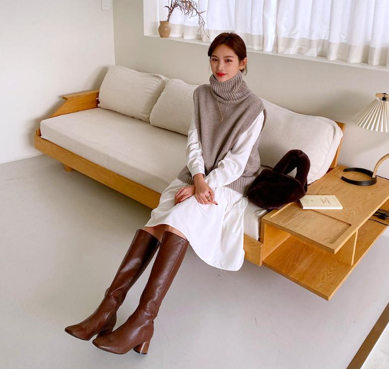 """Mix & Phối - Chinh phục kiểu boots da sang chảnh nhất mùa lạnh bằng 5 tips đơn giản: Cách diện đẹp không còn """"khoai"""" như bạn tưởng - chanvaydep.net 10"""