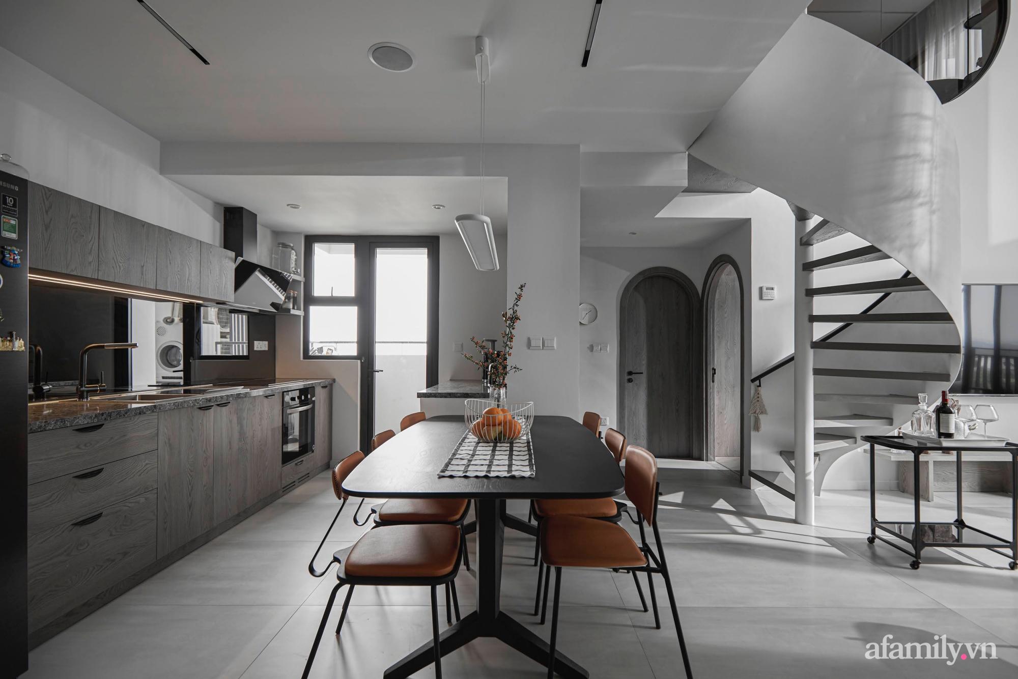 Căn hộ 2 tầng rộng 145m² đẹp sang trọng với điểm nhấn mộc mạc từ chất liệu bê tông ở Sài Gòn - Ảnh 7.