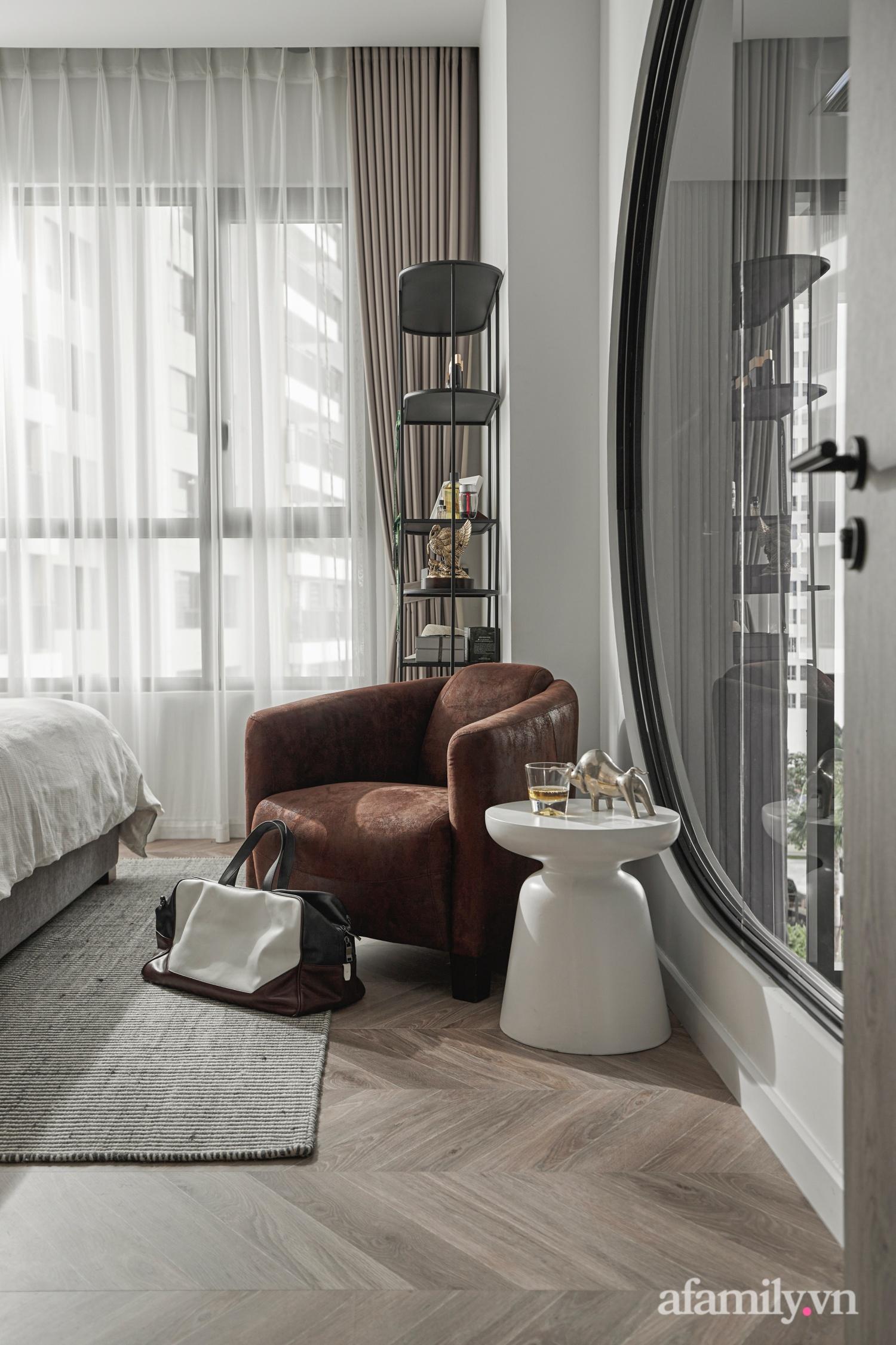 Căn hộ 2 tầng rộng 145m² đẹp sang trọng với điểm nhấn mộc mạc từ chất liệu bê tông ở Sài Gòn - Ảnh 15.