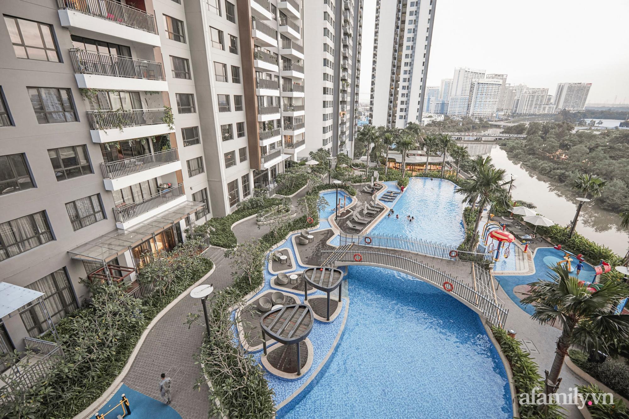 Căn hộ 2 tầng rộng 145m² đẹp sang trọng với điểm nhấn mộc mạc từ chất liệu bê tông ở Sài Gòn - Ảnh 21.