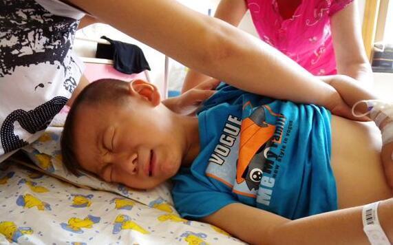 """Bé trai 4 tuổi tử vong ngay sau khi uống cốc sữa đậu nành của mẹ: Bác sĩ cảnh báo những sai lầm cần tránh kẻo """"chết vì độc""""  - Ảnh 2."""