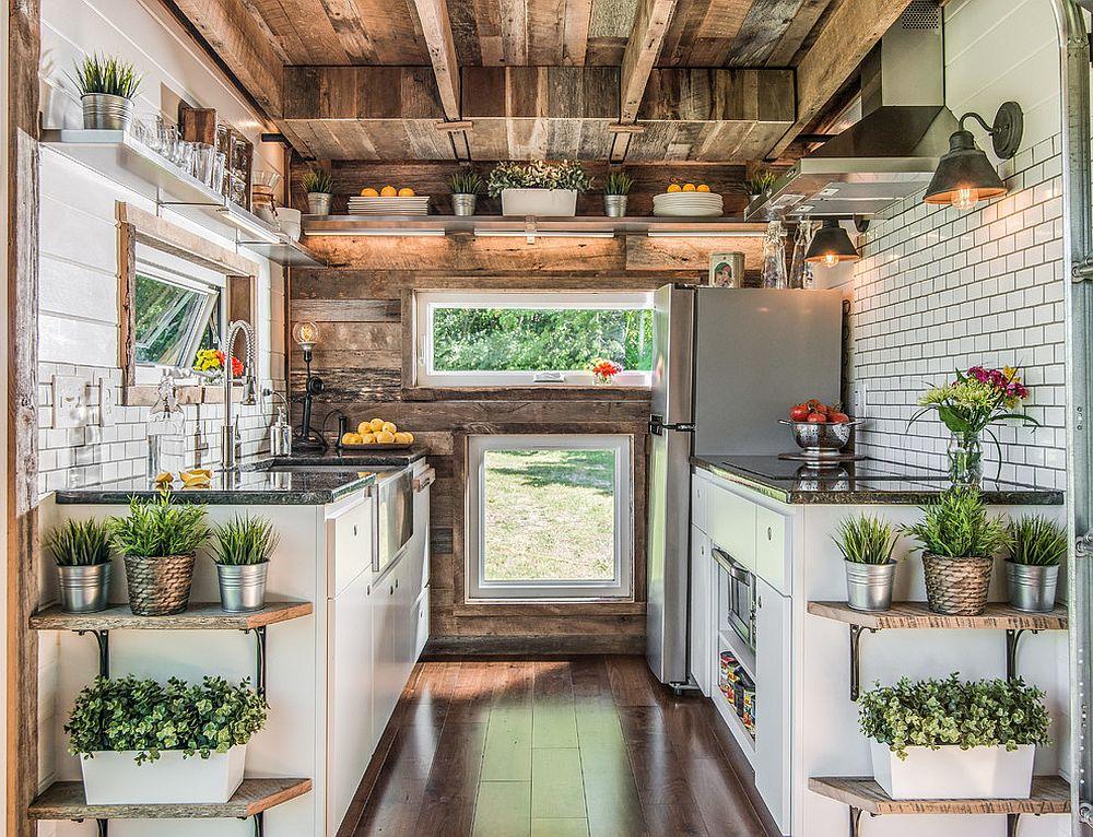 Căn bếp nhỏ vẫn thoáng rộng và ấm cúng nhờ lựa chọn ánh sáng đúng cách - Ảnh 8.