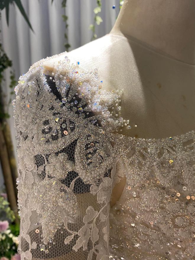 Mix & Phối - Dự đoán váy cưới cô dâu Viên Minh - vợ Công Phượng sẽ mặc tại Phú Quốc: Vẫn tối giản, trang nhã hay cầu kì, quyến rũ? - chanvaydep.net 6