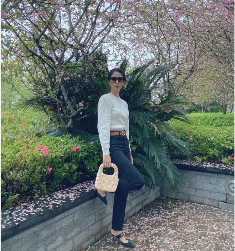 Mix & Phối - Cô nàng Trung Hoa trót mê style Pháp: Đến áo len cổ lọ cũng có cách hack dáng thon gọn, chưa kể 5 tips khác cũng hay ho không kém - chanvaydep.net 5