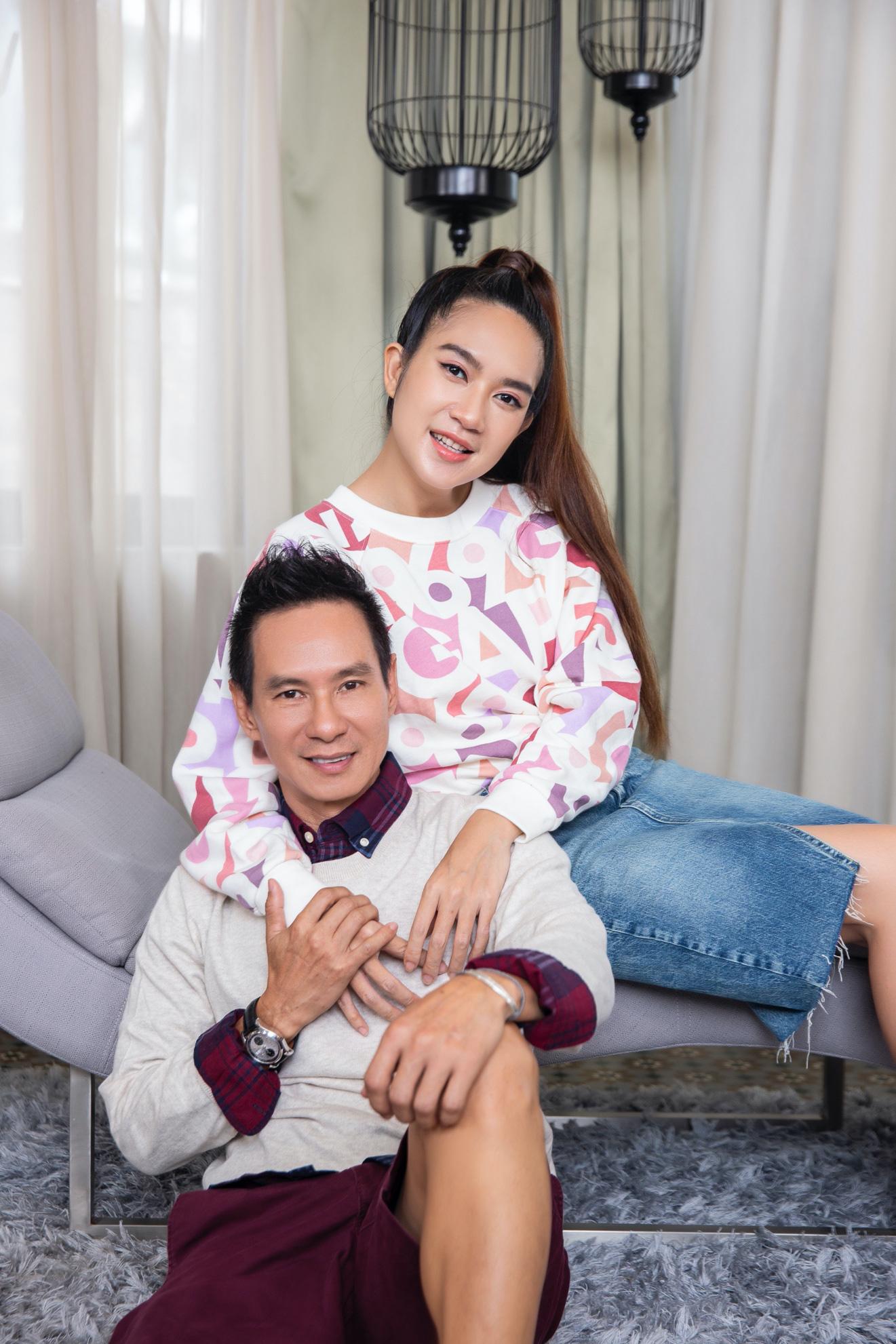 Vợ chồng Lý Hải - Minh Hà cùng 4 nhóc tì xuất hiện như fashionista trong BST Holiday của GAP - Ảnh 5.