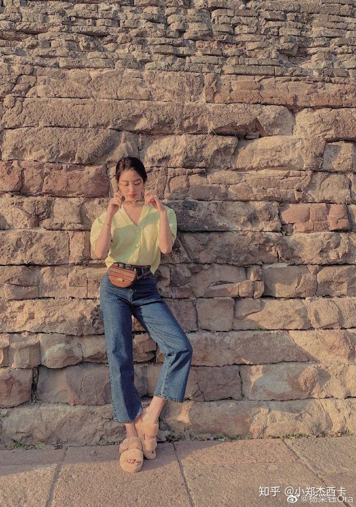 Mix & Phối - Cô nàng Trung Hoa trót mê style Pháp: Đến áo len cổ lọ cũng có cách hack dáng thon gọn, chưa kể 5 tips khác cũng hay ho không kém - chanvaydep.net 8