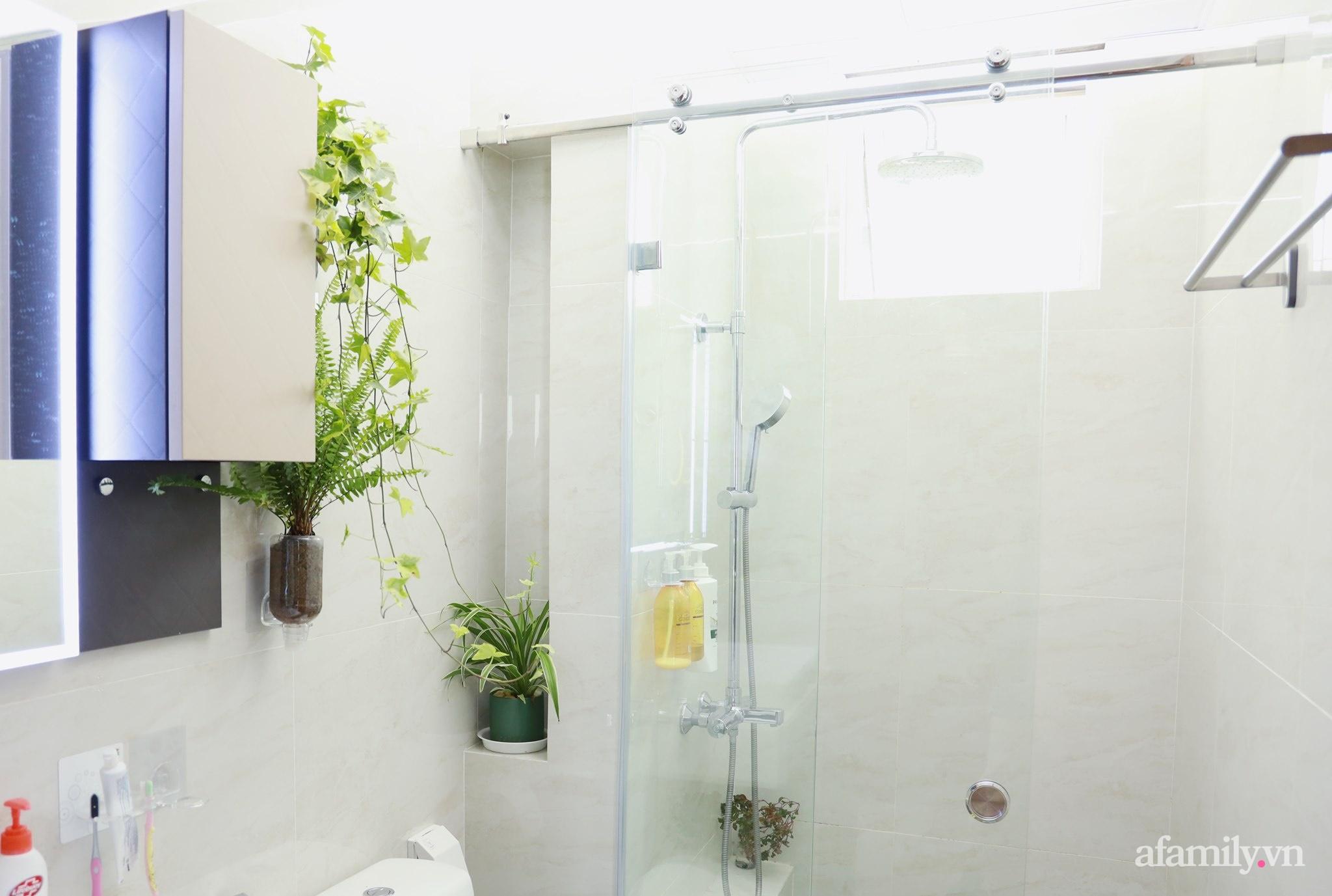"""Biến hình phòng tắm đúng chuẩn hội """"nghiện nhà yêu cây"""" từ những đồ nội thất nhà nào cũng có của cô gái Hà Nội  - Ảnh 6."""
