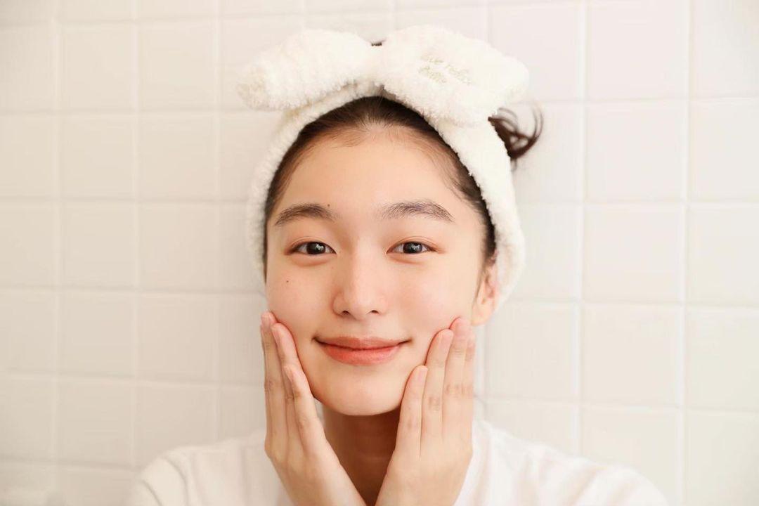 """Để da căng mướt gấp 10 lần bình thường, phụ nữ Nhật có thêm chiêu """"chườm dầu"""" chuyên được dùng trong mùa lạnh - Ảnh 4."""