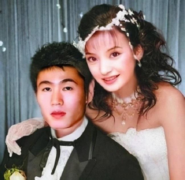 Dù đã chụp cả ảnh cưới nhưng cuối cùng họ vẫn chia tay.