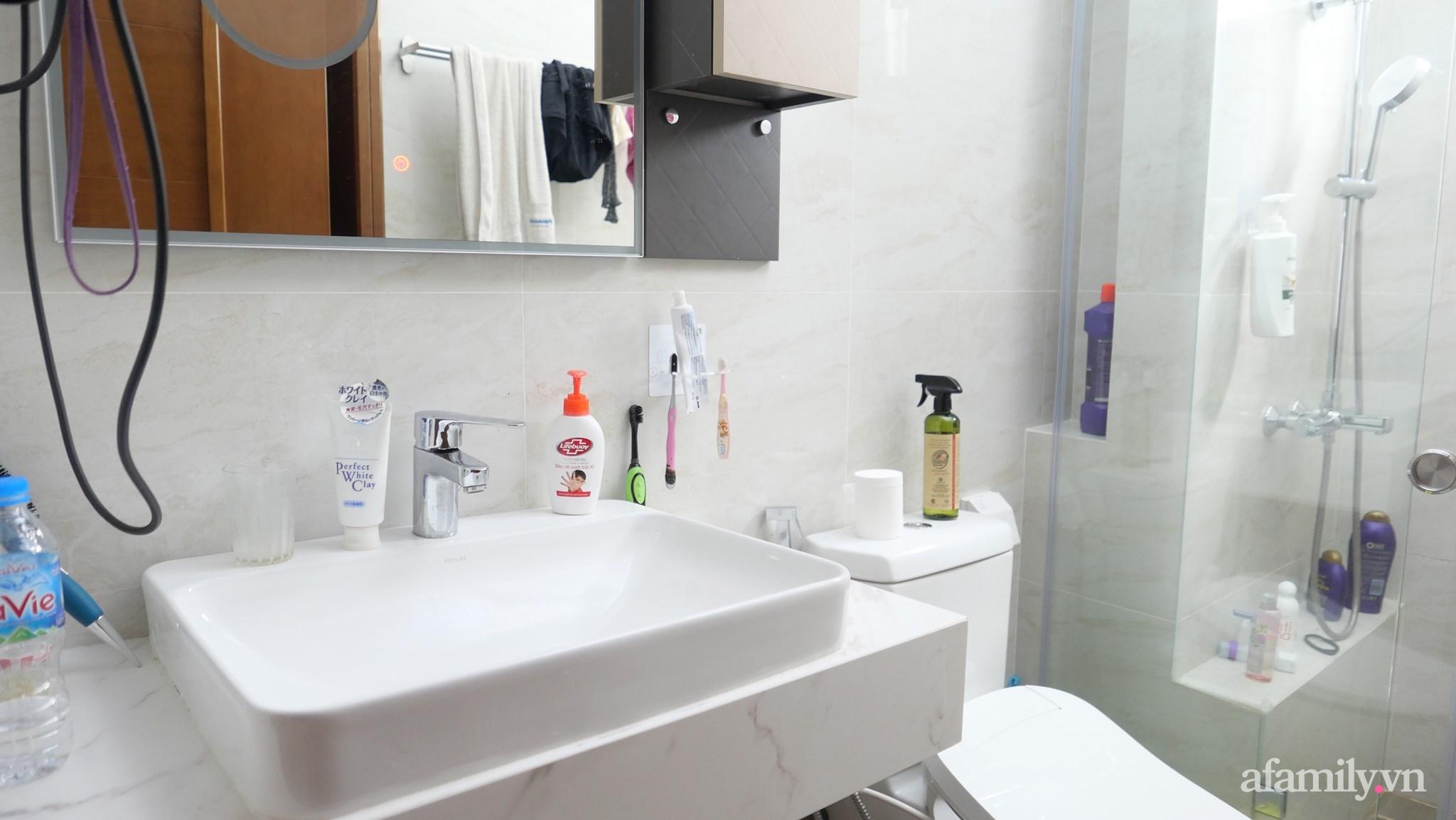 """Biến hình phòng tắm đúng chuẩn hội """"nghiện nhà yêu cây"""" từ những đồ nội thất nhà nào cũng có của cô gái Hà Nội  - Ảnh 4."""