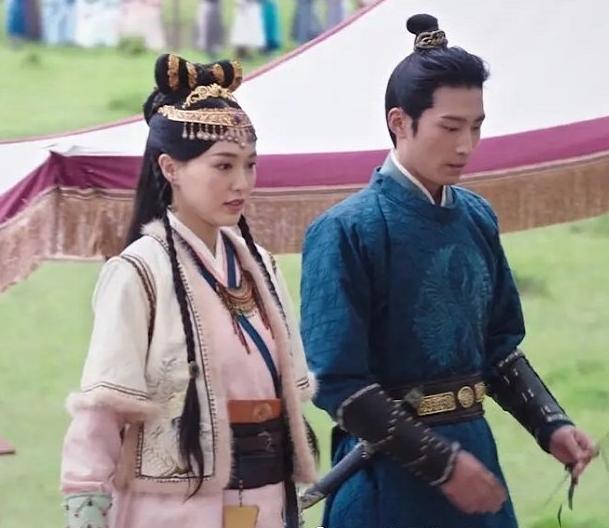 """Yến Vân Đài: Tạo hình cực đẹp của """"Hoàng hậu"""" Đường Yên, photoshop rõ chuẩn nhưng netizen chỉ chú ý đến vòng eo - Ảnh 8."""