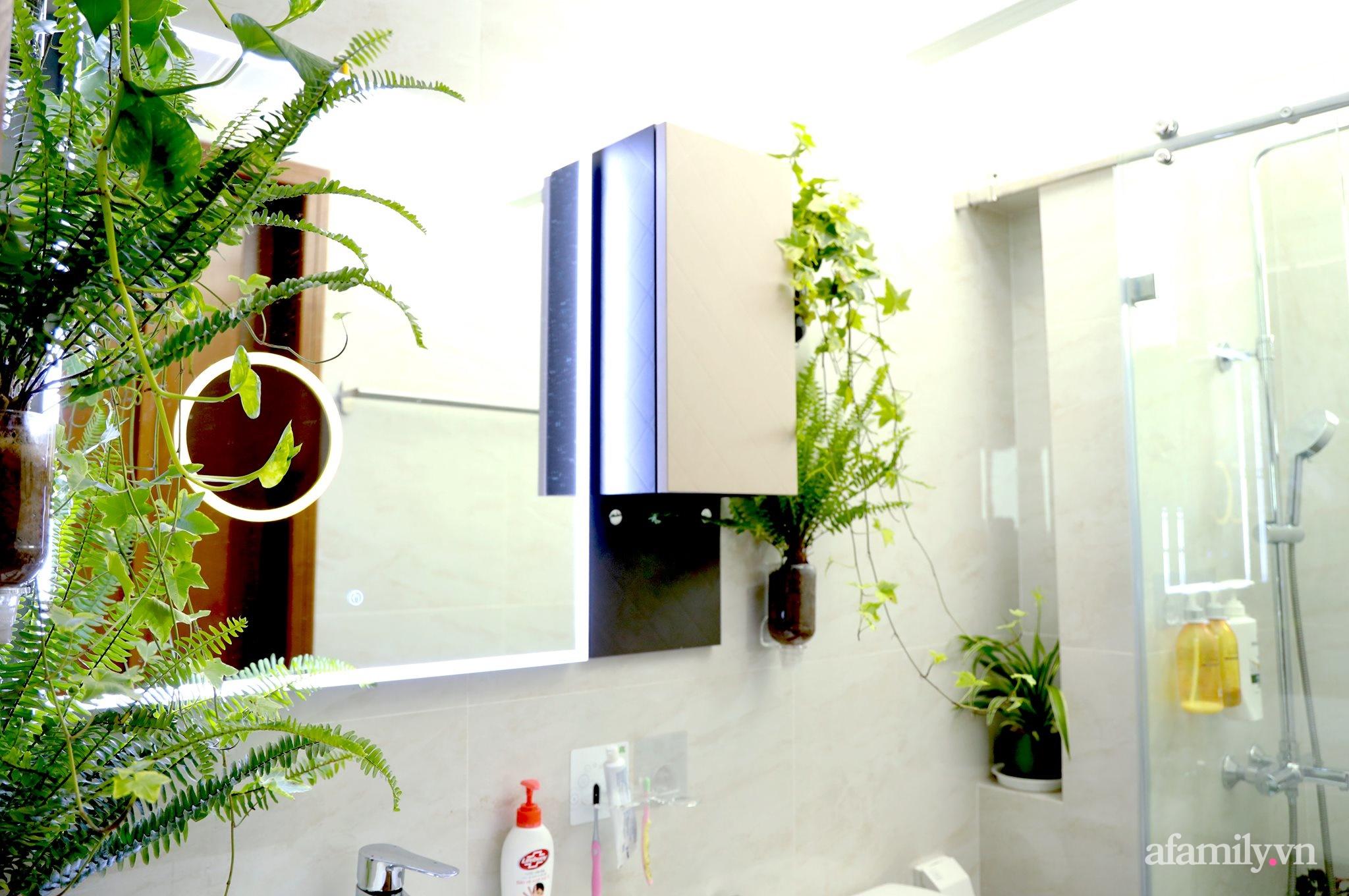 """Biến hình phòng tắm đúng chuẩn hội """"nghiện nhà yêu cây"""" từ những đồ nội thất nhà nào cũng có của cô gái Hà Nội  - Ảnh 3."""