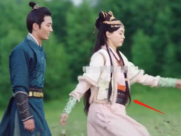 """Yến Vân Đài: Tạo hình cực đẹp của """"Hoàng hậu"""" Đường Yên, photoshop rõ chuẩn nhưng netizen chỉ chú ý đến vòng eo - Ảnh 7."""