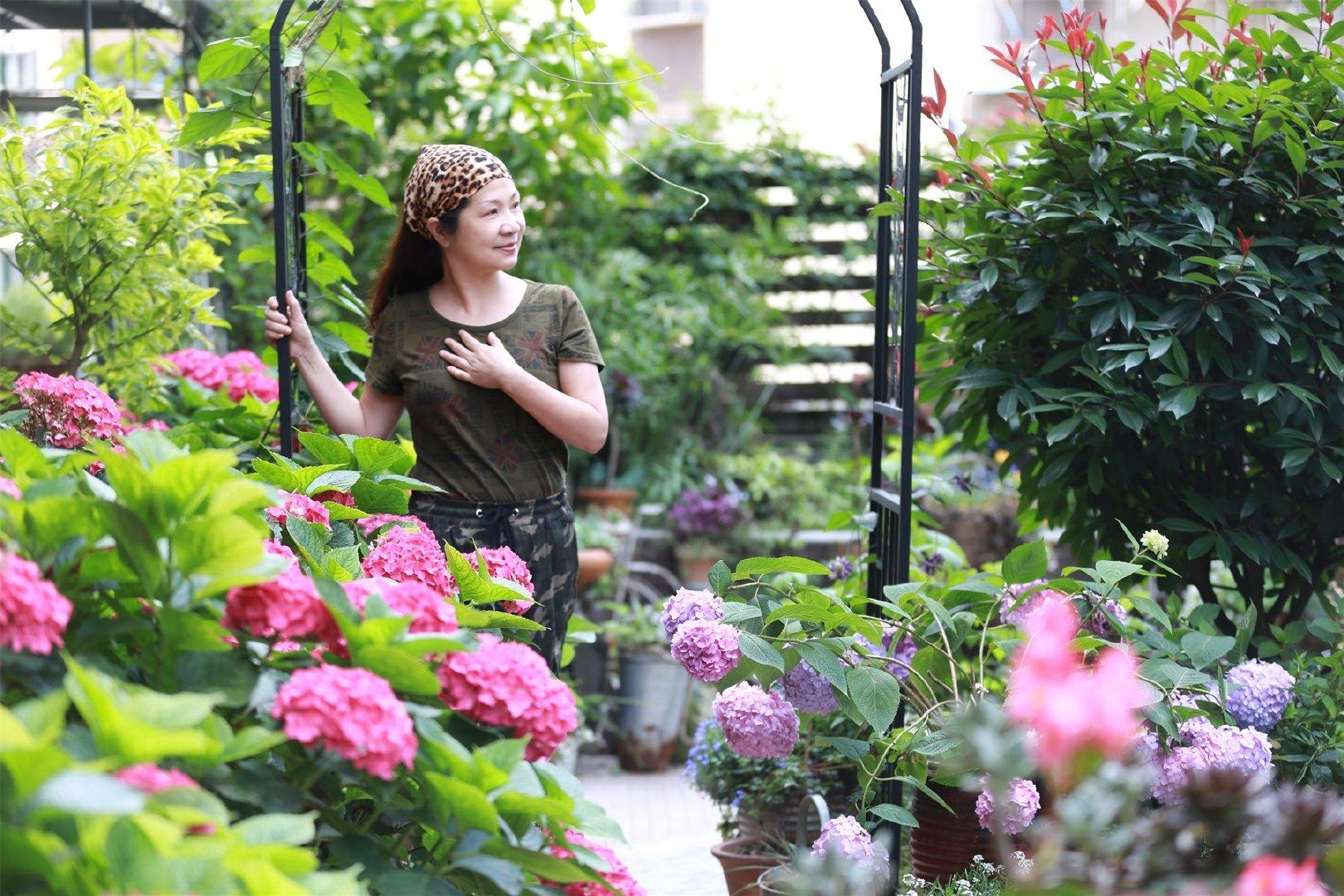"""Khu vườn quanh năm chỉ có """"mùa xuân"""" ở lại của cô giáo dạy Toán xinh đẹp - Ảnh 1."""