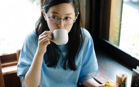 5 thói quen mà phụ nữ nên thực hiện mỗi buổi chiều để đánh bay mỡ bụng và nuôi dưỡng sức khỏe
