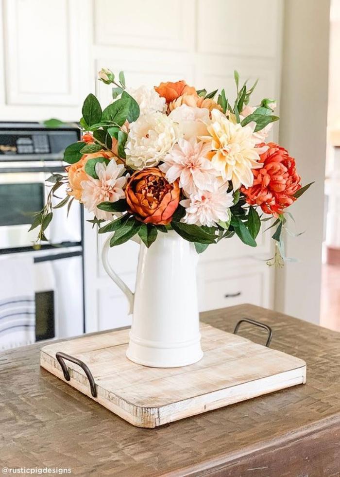Gợi ý cắm hoa giả tạo nét đẹp tinh tế và lãng mạn bừng sáng không gian sống - Ảnh 1.
