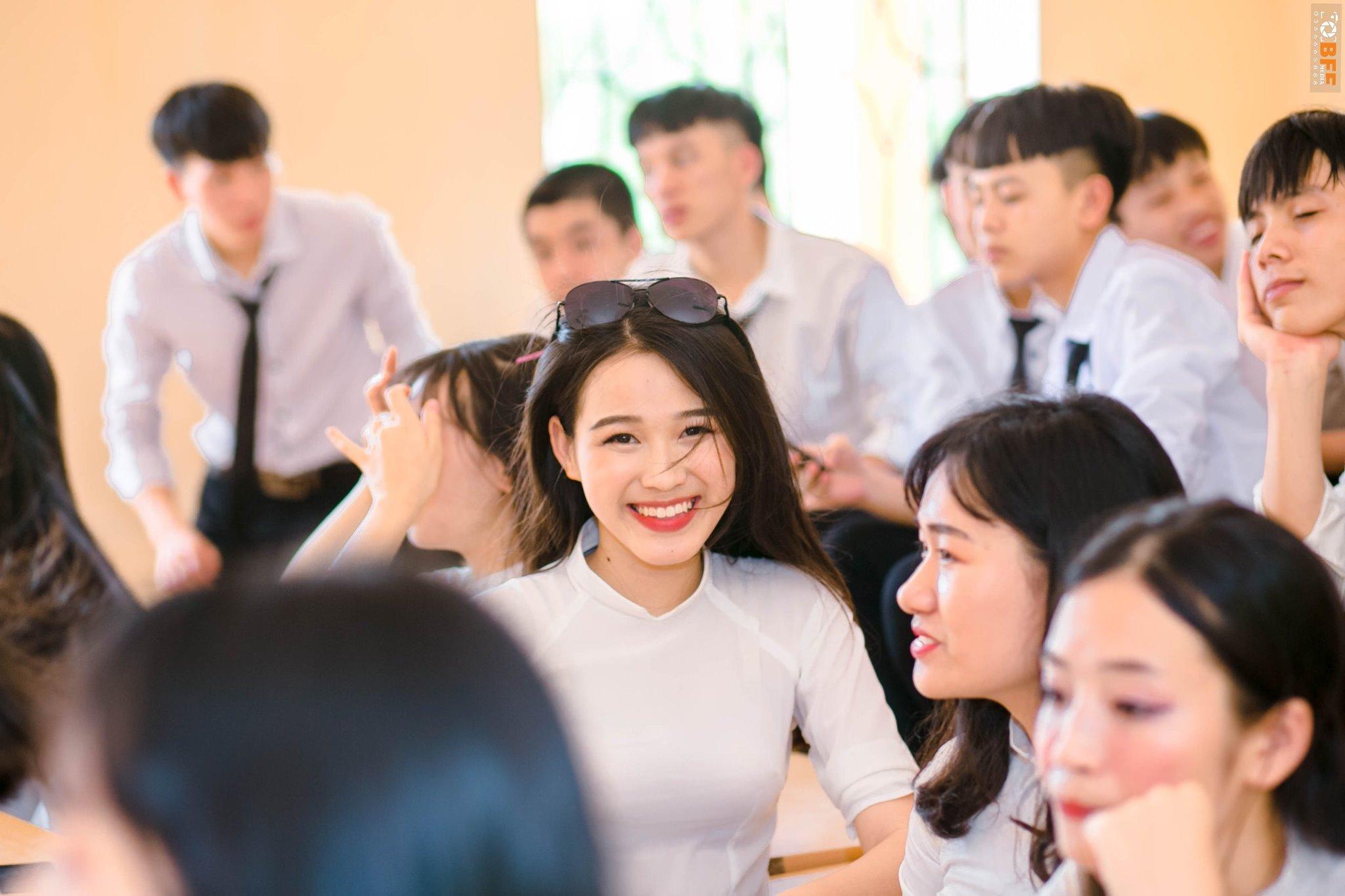 """2 sắc son tô điểm nhan sắc cho nàng Tân Hoa hậu 19 tuổi: Ngay cả đêm chung kết Đỗ Thị Hà cũng diện sắc son """"chân ái""""  - Ảnh 11."""