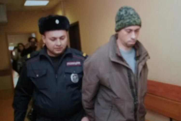 Cha dượng giết con gái riêng 5 tuổi của vợ sau đó đổ tội cho cậu con trai 7 tuổi bị câm và chậm phát triển - Ảnh 2.