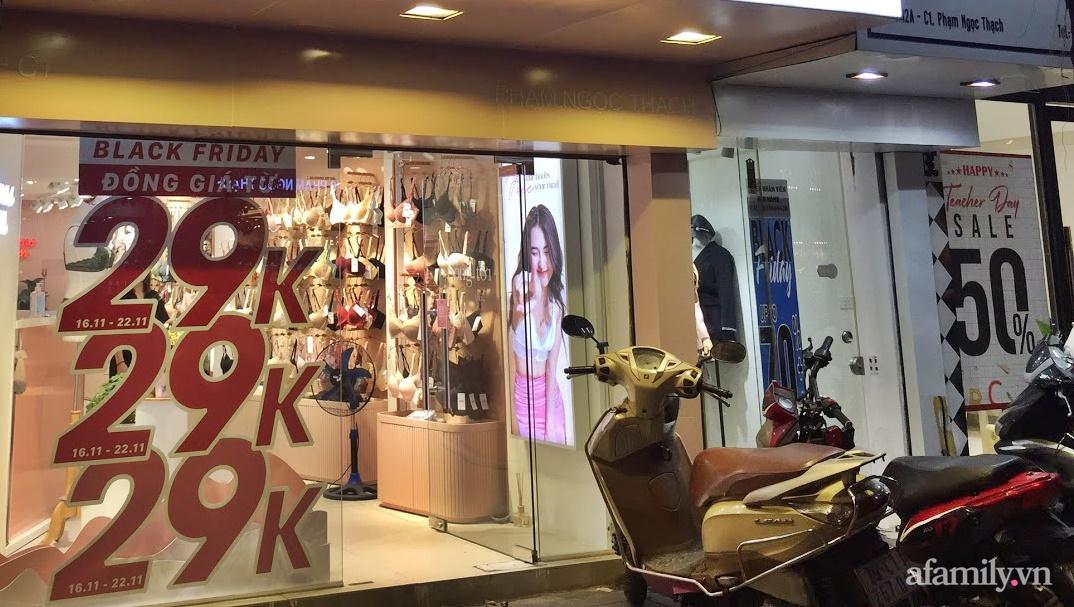 Hà Nội: Phố thời trang rợp biển giảm giá 80% trước ngày mua sắm Black Friday - Ảnh 5.